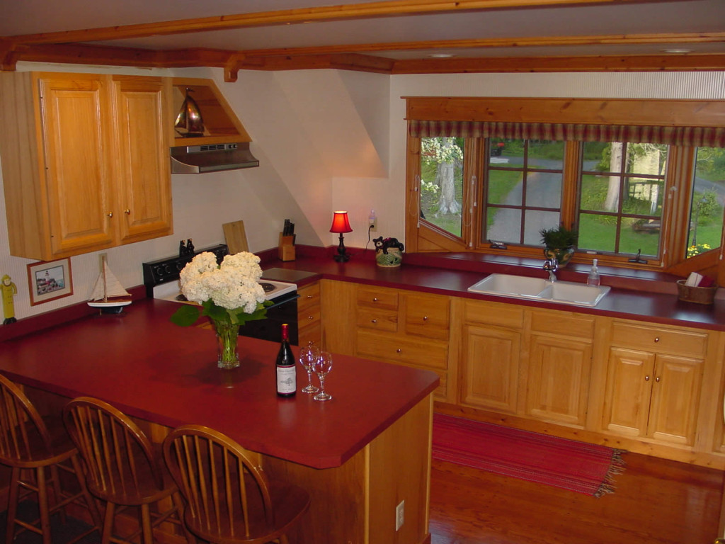 Siskiwit Suite Kitchen